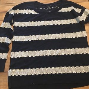 AE 🦅 size lg, navy lace striped sweater